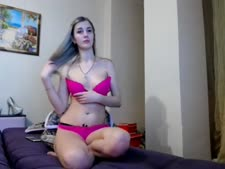 Find6.xyz chick wtfuck303 playing on live webcam